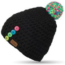 Čierna ručne háčkovaná čiapka s gomb&#...