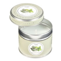 Aromatická sviečka v plechovke s vôňou mäty a eukalyp...