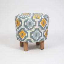 Taburet s drevenými nohami Cono Sabado, ⌀ 41 cm