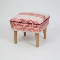 Taburet s drevenými nohami Damo Songe, 45 × 45 cm