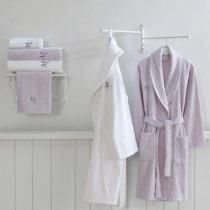 Set 2 bavlnených županov a 4 uterákov zo 100% bavlny z edície M...